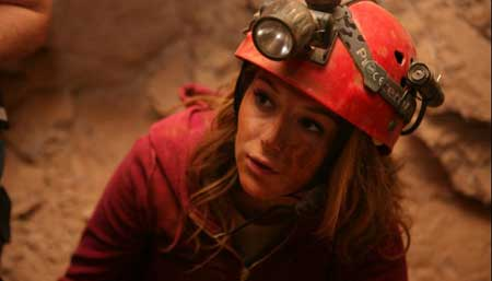 Abandoned-Mine_2013-movie-6